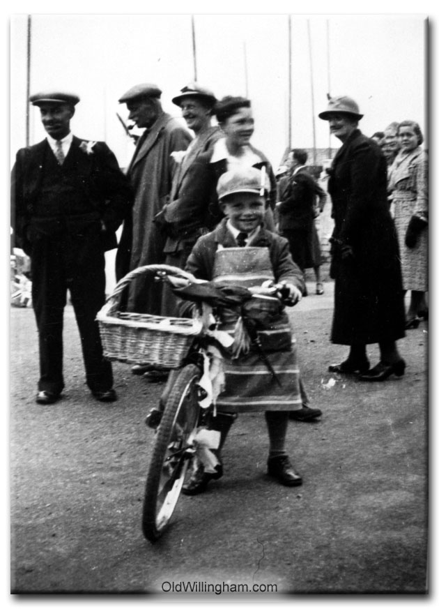 Who is this lad - and when? (Jeeps_Neg01_098)